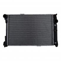 Radiator racire Mercedes Clasa C C180 Cdi Blueefficienty; C220 Cdi Blueefficienty; C250 Cdi Blueefficienty; C200 Cdi Blueefficienty; Diesel/Benzina, Automat/Manual, Cu/fara AC, 640x440x33, Cu lipire fagure prin brazare Aftermarket
